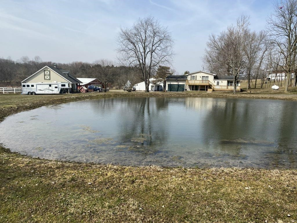 3 Bedroom Home And Barn On 4 Acres- Crestview Sch