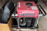 Honda 3000 Generator, needs work.