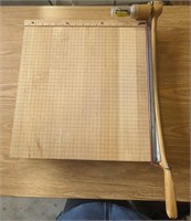 Large Ingento paper cutter.