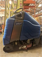 Chariot iScrub 24 stand on scrubber.