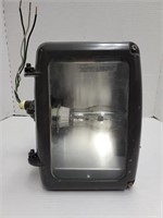 Outdoor Mounted Light in metal enclosure (70w)