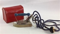 Liliput Child size plug in iron w/ leather Pouch