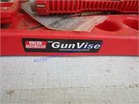 GUN VISE