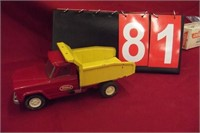 Online Auction of VIntage Advertising Signs and Toys 4/23