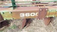 John Deere 3600, 6 bottom 18'' mold board plow