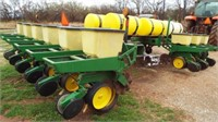 "John Deere P7000 Planter, 12 row-30"","