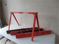 4 Steel Sawhorses / Chevalet en acier
