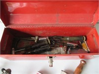Tool Box & Chainsaw Tools / Coffre à outils, etc.