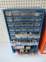 2 Metal Cabinets / 2 Armoires de métal