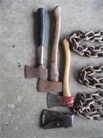 Chain, Hatchets, Shovel / Chaîne, hachette, pelle