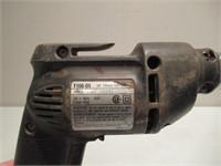 4 Electric Drills / 4 Perceuses électriques