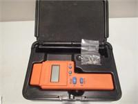 Delmhorst Moisture Meter / Détecteur d'humidité