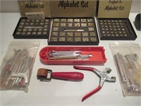 Lot of Crafting Tools / Lot d'outils d'artisanat