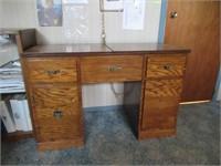 Desk & Cabinet / Bureau & meuble