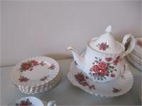 Royal Albert Tea Set / Vaisselle pour le thé