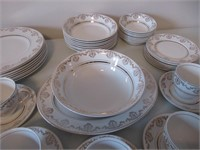 Alfred Meakin Glo-White Dishes / Vaisselle
