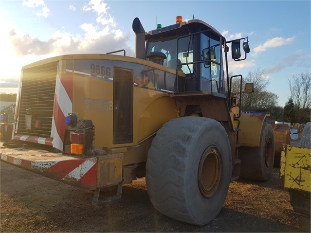 2002 CAT 966G II at www.glenvalleyplant.co.uk
