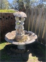 LARGE CONCRETE FOUNTAIN