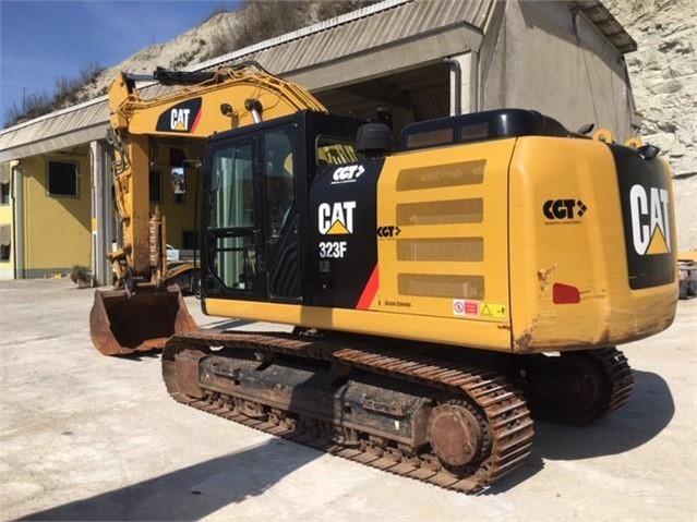 2017 CAT 323F LN a www.nord-tractors.it