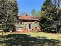 Little John Lane - House in Fairview