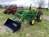 JOHN DEERE 1520 TRACTOR AND LOADER