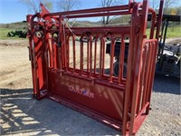 TARTER SERIES 3 CATTLE SQUEEZE CHUTE