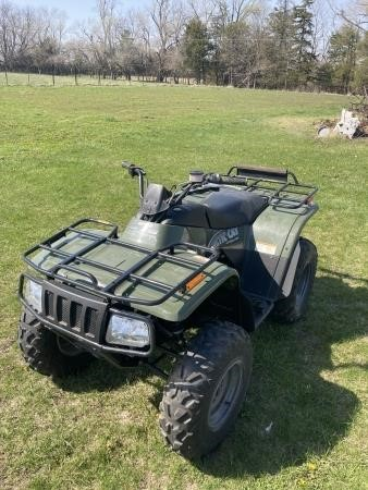 2002 Artic Cat 375 Automatic 2WD ATV (Like New)