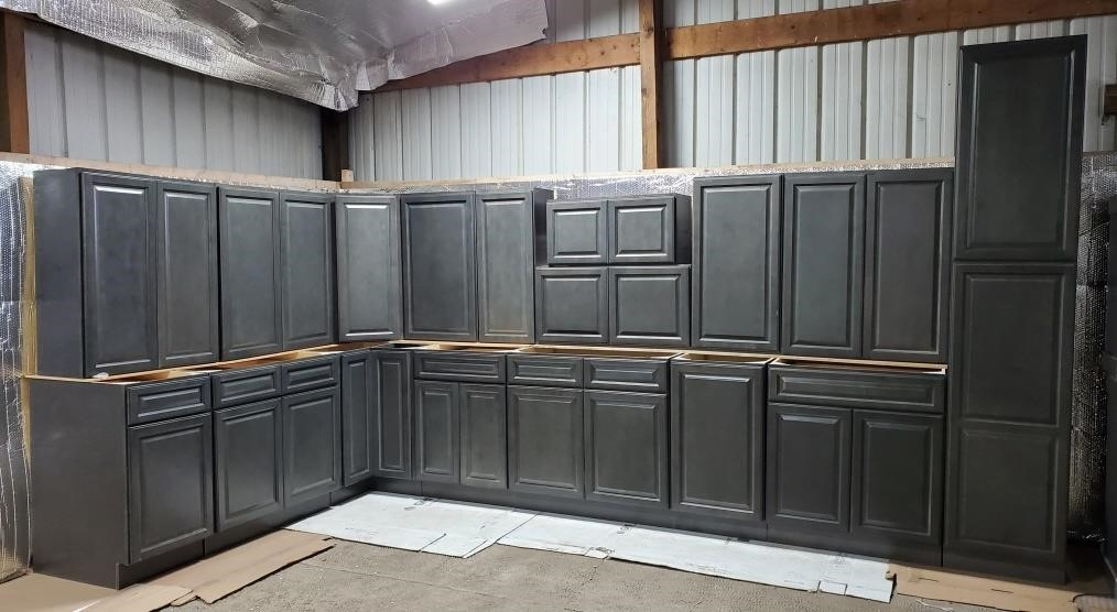 New Castle Gray 17pc Kitchen Cabinet Set  Solid