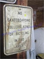 NO SKAT BOARDING SIGN