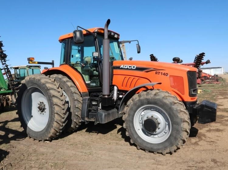 2009 AgCo RT140A Tractor #T345048