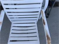 4 Aluminum Chair & 1 Folding Lawn Chair