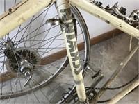 Vintage Schwinn Le Tour Bike