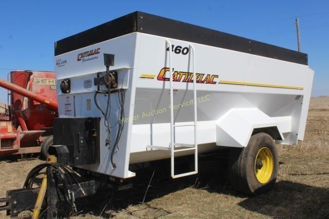 Cattlelac Feedmasters 460 Feed Wagon