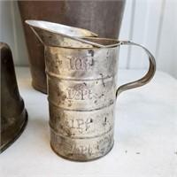 Primitive Buckets Scoop Measuring Cup Cuspidor