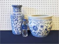 "Blue & White Chinese Planter & 14"" Vase"
