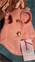 Pretty peach coat with pearl/fur collar size 4