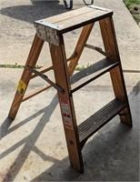 Werner 2ft Wooden Step Ladder