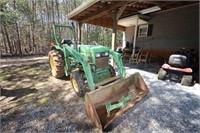 John Deere 850 Tractor w/ 80 Loader 4WD