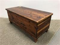 Small size cedar wood blanket chest