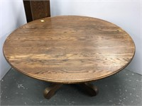 Large oak Antique round dining table