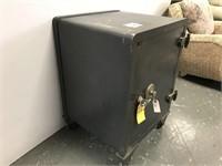 Large heavy floor safe
