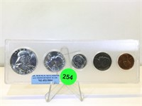 4/18/21 Sports - Collectibles - Coins - Furniture