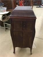 Large online Auction-Furniture/Smalls