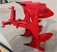 Lot 5043 - MF 2-btm/2-way Plow.  Absentee bidding available on this item. Click catalog tab for more information & pictures.