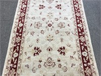 Beautiful Kashan hand knotted Persian area rug