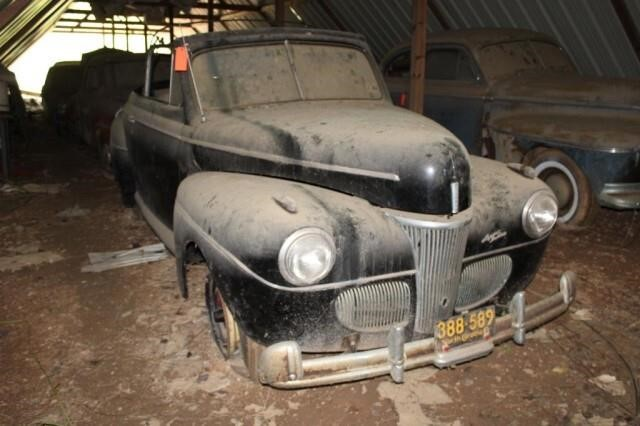 *Barn-find* 1941 Ford Deluxe Convertible