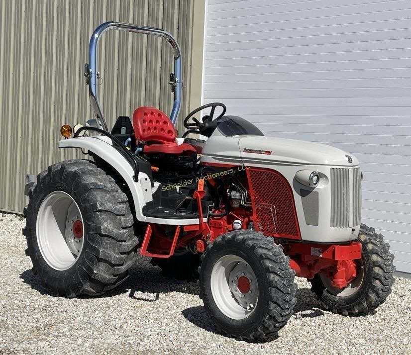 2009 New Holland 8N Boomer tractor