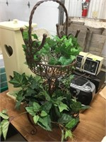 Gordyville Estate Consignment -Small Collectables 4-27-21