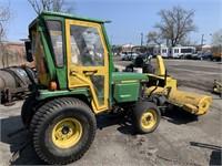 John Deere 955 Tractor w/Front Sweeper