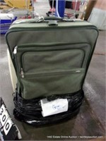 LARGE GREEN TRAVEL GEAR SUITCASE